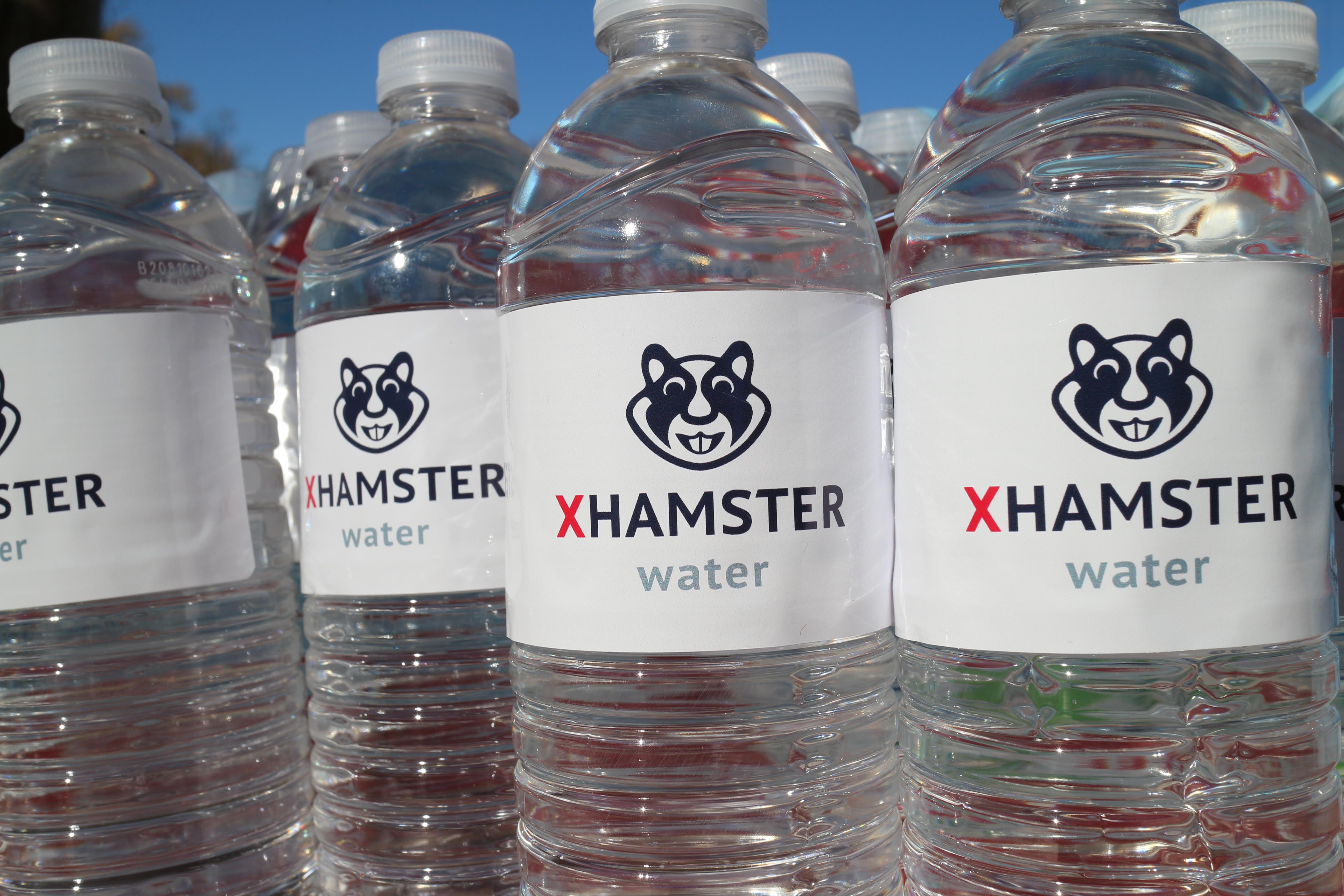 xHamster goes Flint!
